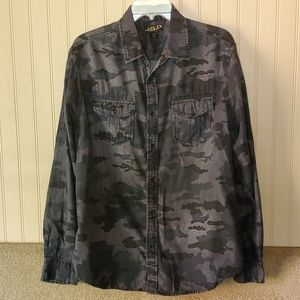 Mens Helix camouflage shirt  large athletic fit